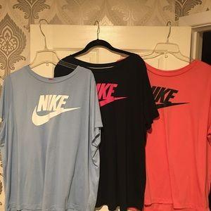 A bundle of plus size Nike tops. 2/3X